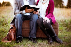 Read more about the article Interactive Devotion for Couples 5: Pray Together